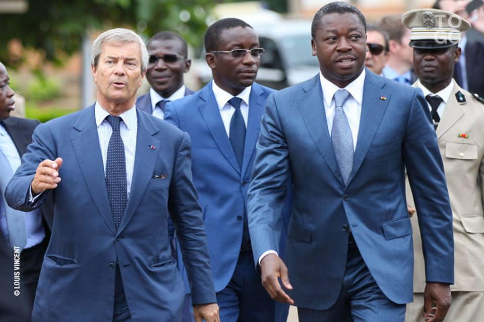 """Le groupe Bolloré mis en examen pour """"corruption"""""""
